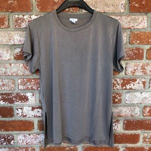Brass Plum loose fit short sleeve t-shirt in taupe